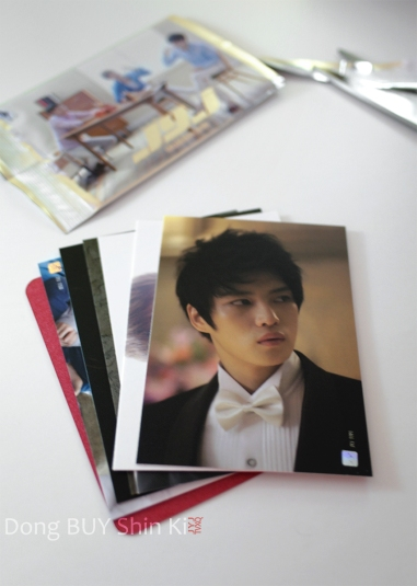 6 cards per pack in JYJ photocard Jaejoong red event card suprise reward CjeS entertainment