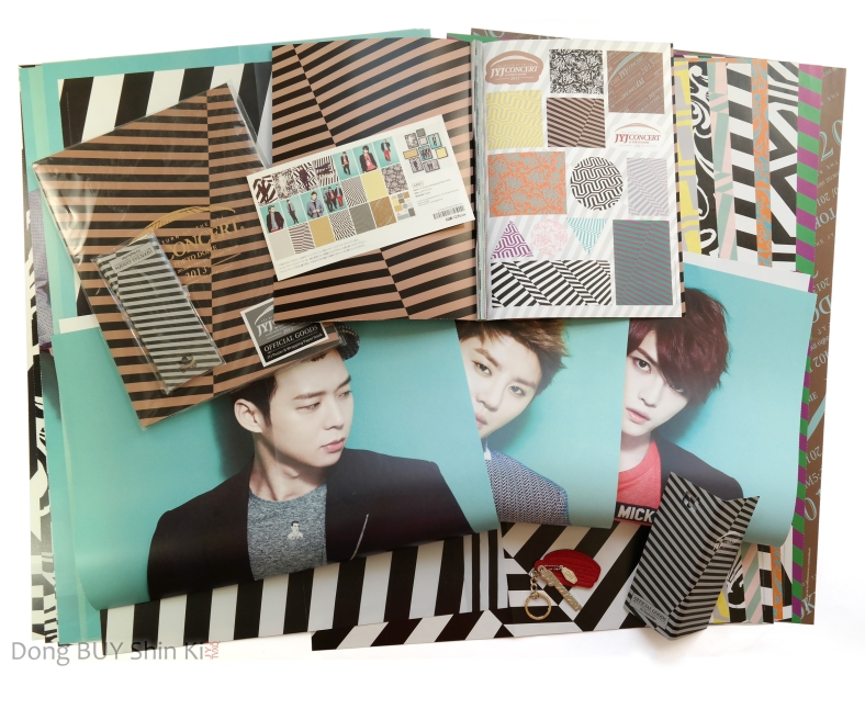 Unboxing JYJ Poster Wrapping paper keychain key holder Tokyo Dome concert official goods Dong BUY Shin Ki