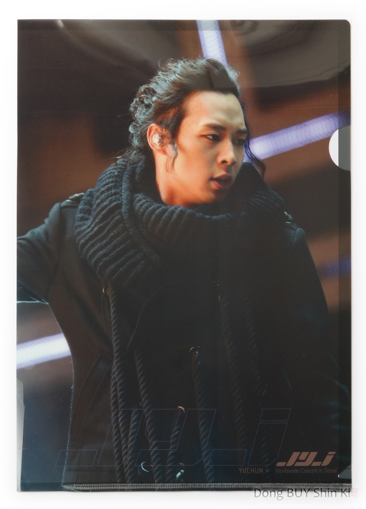Yuchun-Yoochun-long-hair-ponytail-messy-large-sweater-JYJ-glossy-folders