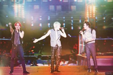JYJ 3D image photo book The Return of the King 2014 concert Jaejoong Yoochun Junsu